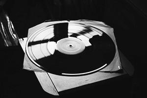 Почему CD могут звучать лучше виниловых пластинок