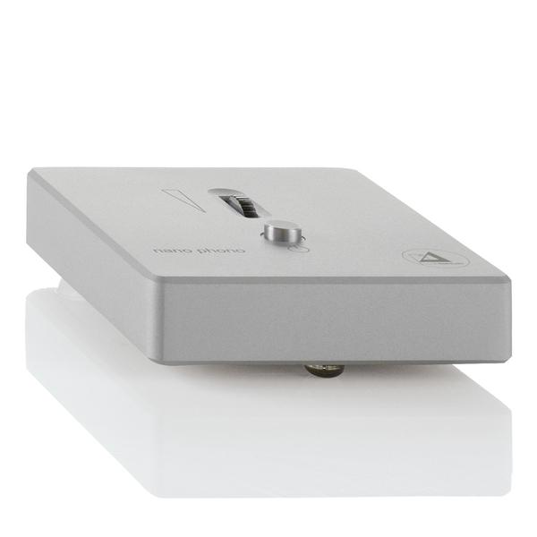 Фонокорректор Clearaudio Phonostage Nano Phono V2 Silver фонокорректор clearaudio absolute inside phono
