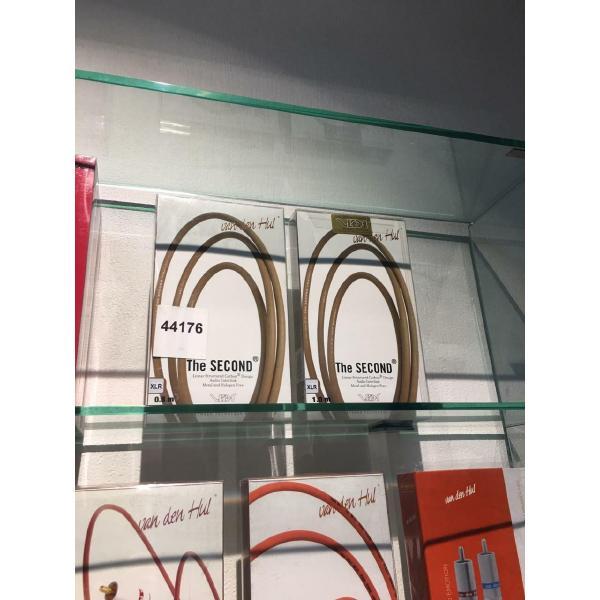 цены Кабель межблочный аналоговый XLR Van den Hul Second 1 m (витрина)
