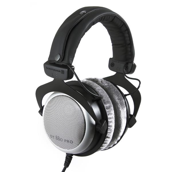 цена на Охватывающие наушники Beyerdynamic DT880 PRO Black/Silver