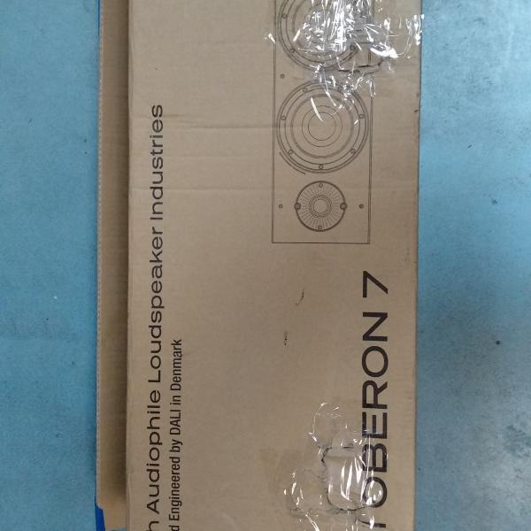 цена на Напольная акустика DALI Oberon 7 Dark Walnut (уценённый товар)