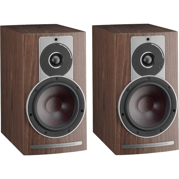 Активная полочная акустика DALI Rubicon 2 C Walnut + BluOS Sound HUB Module