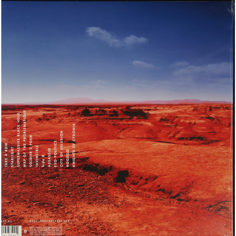 Black Holes and Revelations est le quatrième album studio du groupe de rock britannique Muse sorti en 2006 Lalbum est enregistré en France et à New York et