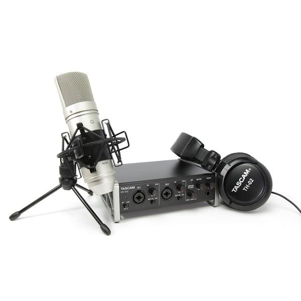 Внешняя студийная звуковая карта TASCAM TrackPack 2x2 микрофон tascam tm 80 black
